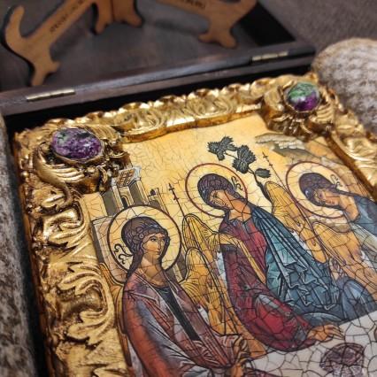 Иконы святой Троицы, каталог резных и расписных икон с камнями