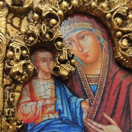 Фотографии иконы, каталог резных и расписных икон с камнями