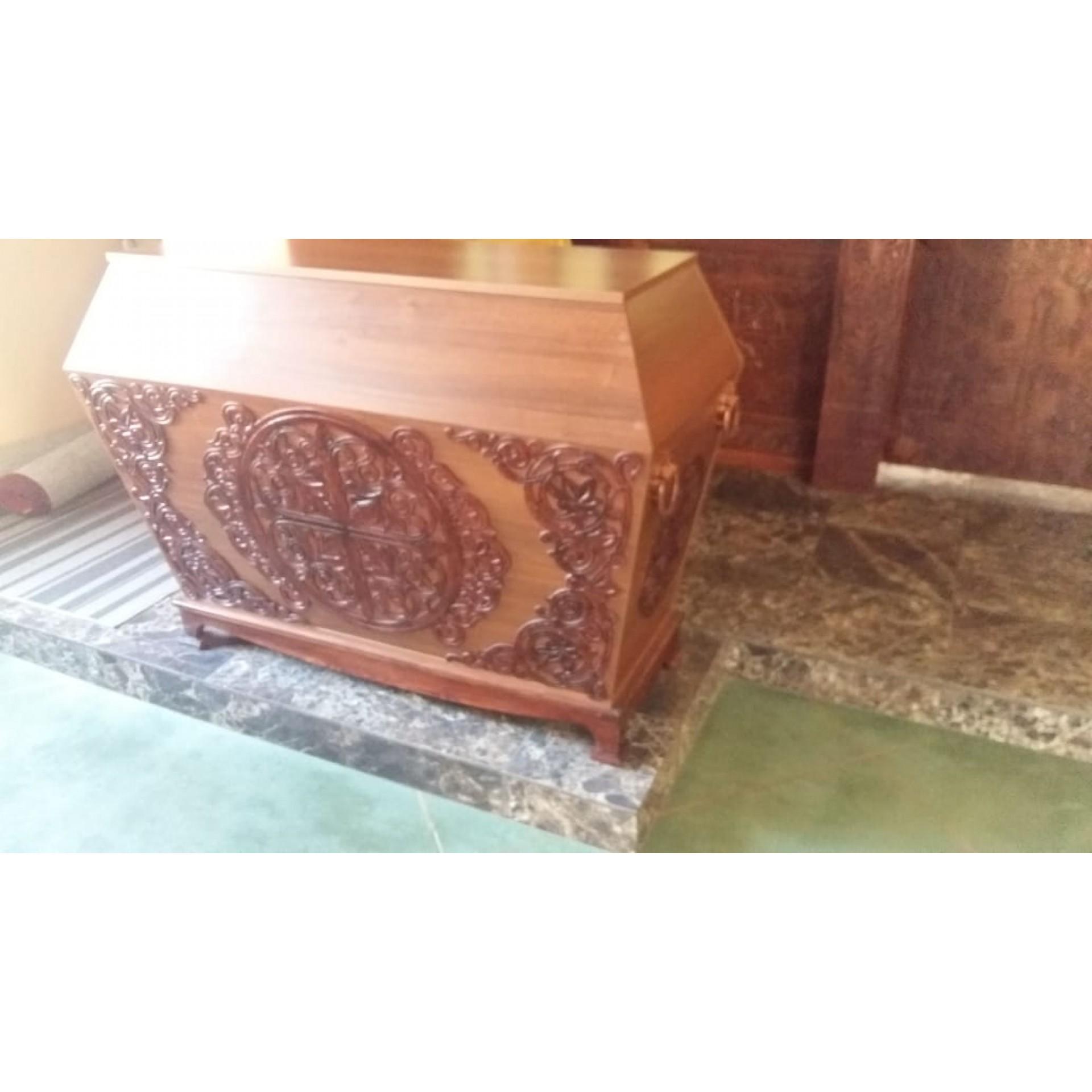 Прорезная резьба, декор в храм для гробницы под плащеницу