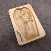 Фото пряничной формы Ангел с колосом вид спереди