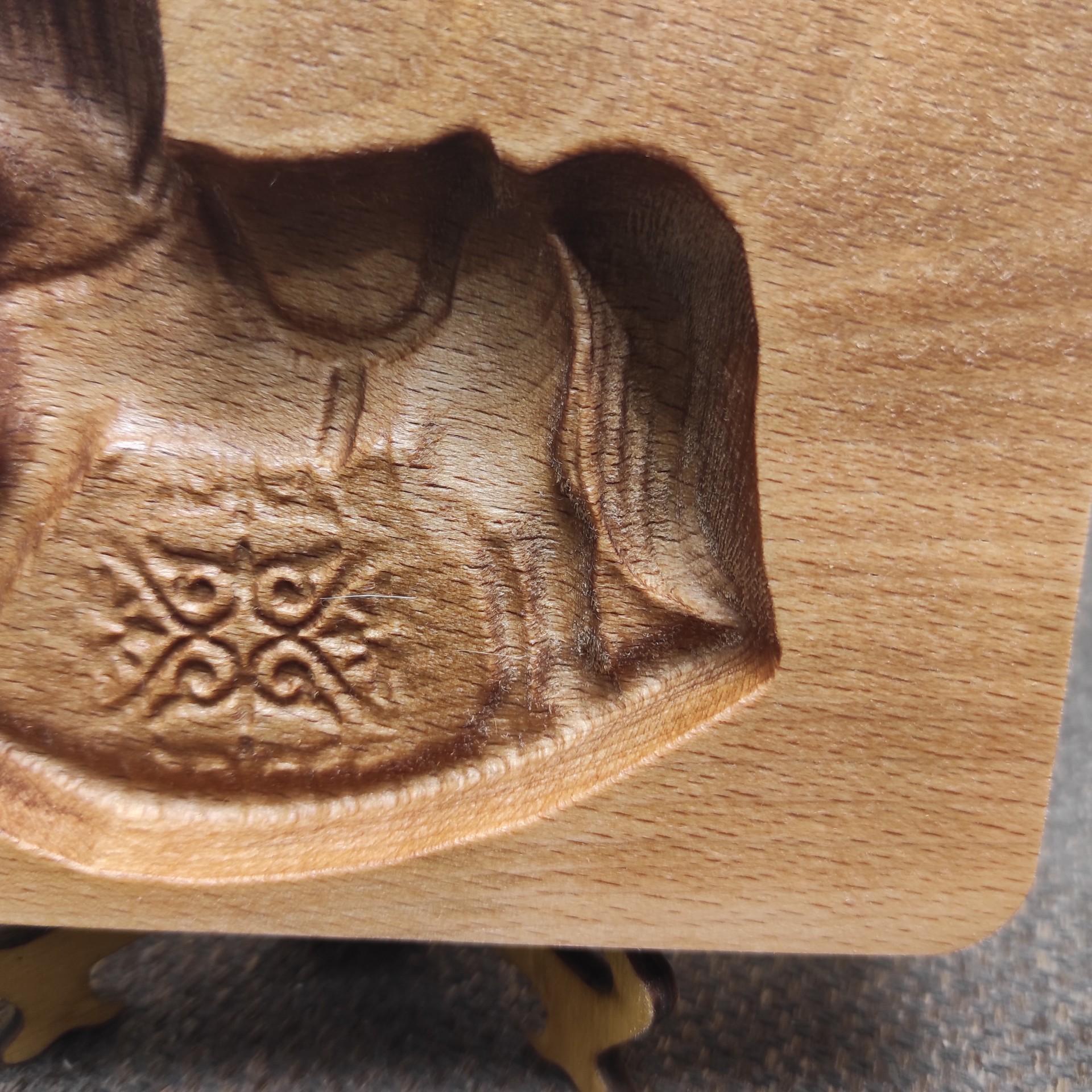 Фото пряничной формы в виде лошадки у хвоста