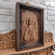 Фото общего лика резной иконы святого Ангела Хранителя