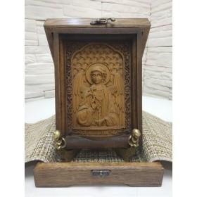 Маленькая резная икона святого Ангела Хранителя