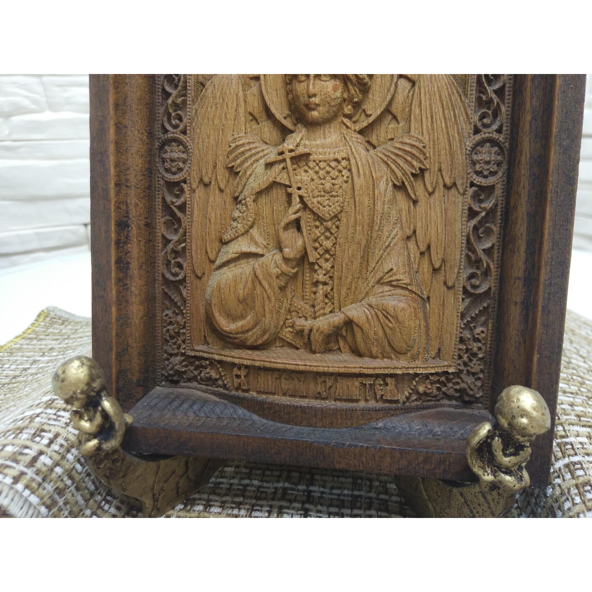 Фото на подставке АНГЕЛЫ маленькой резной иконы святого Ангела Хранителя