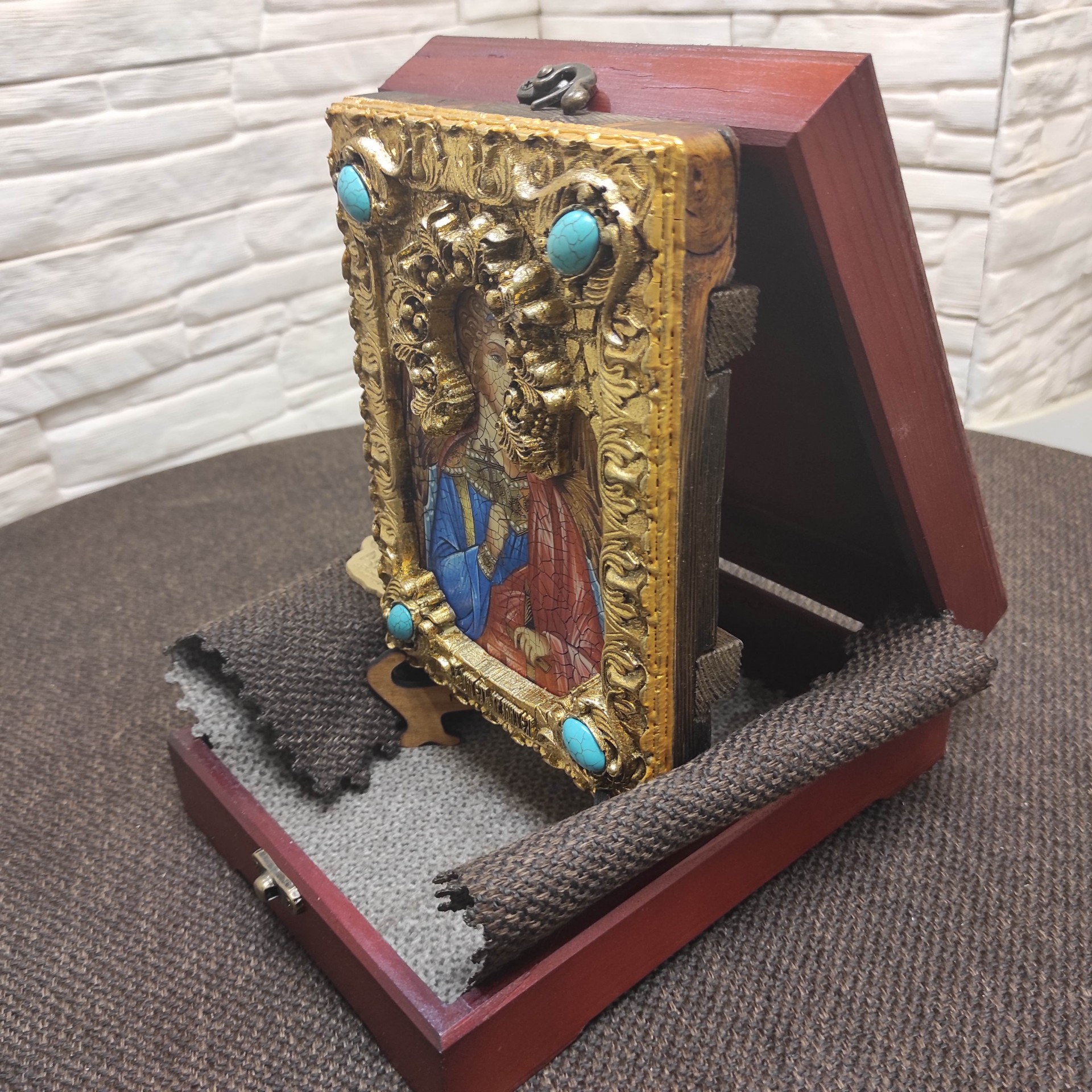 Подарочная икона Ангел Хранитель с иглицами фото спереди
