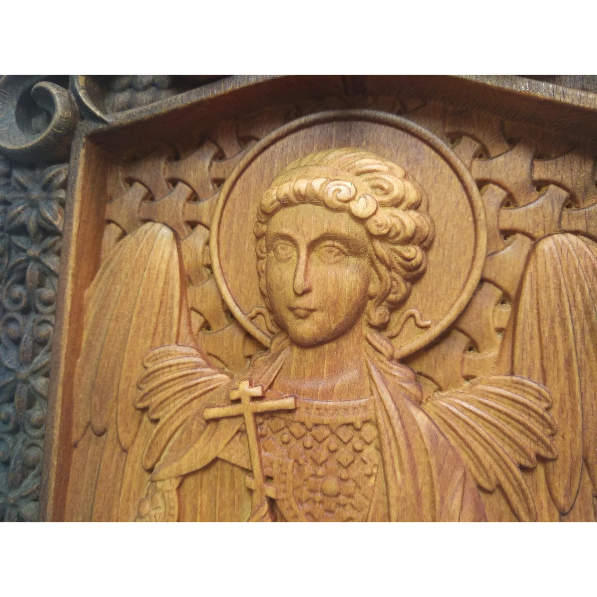 Резная уникальная икона святого Ангела Хранителя