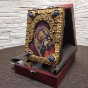 Фото камней общий вид у иконы пресвятой Богородицы Казанская с иглицами