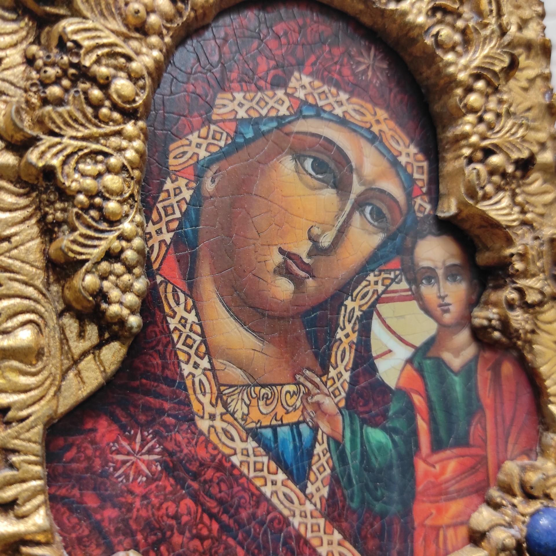 Фото лика иконы пресвятой Богородицы Казанская с иглицами