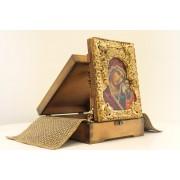 Подарочная икона  пресвятой Богородицы Казанская с иглицами, камнями в футляре с подставкой