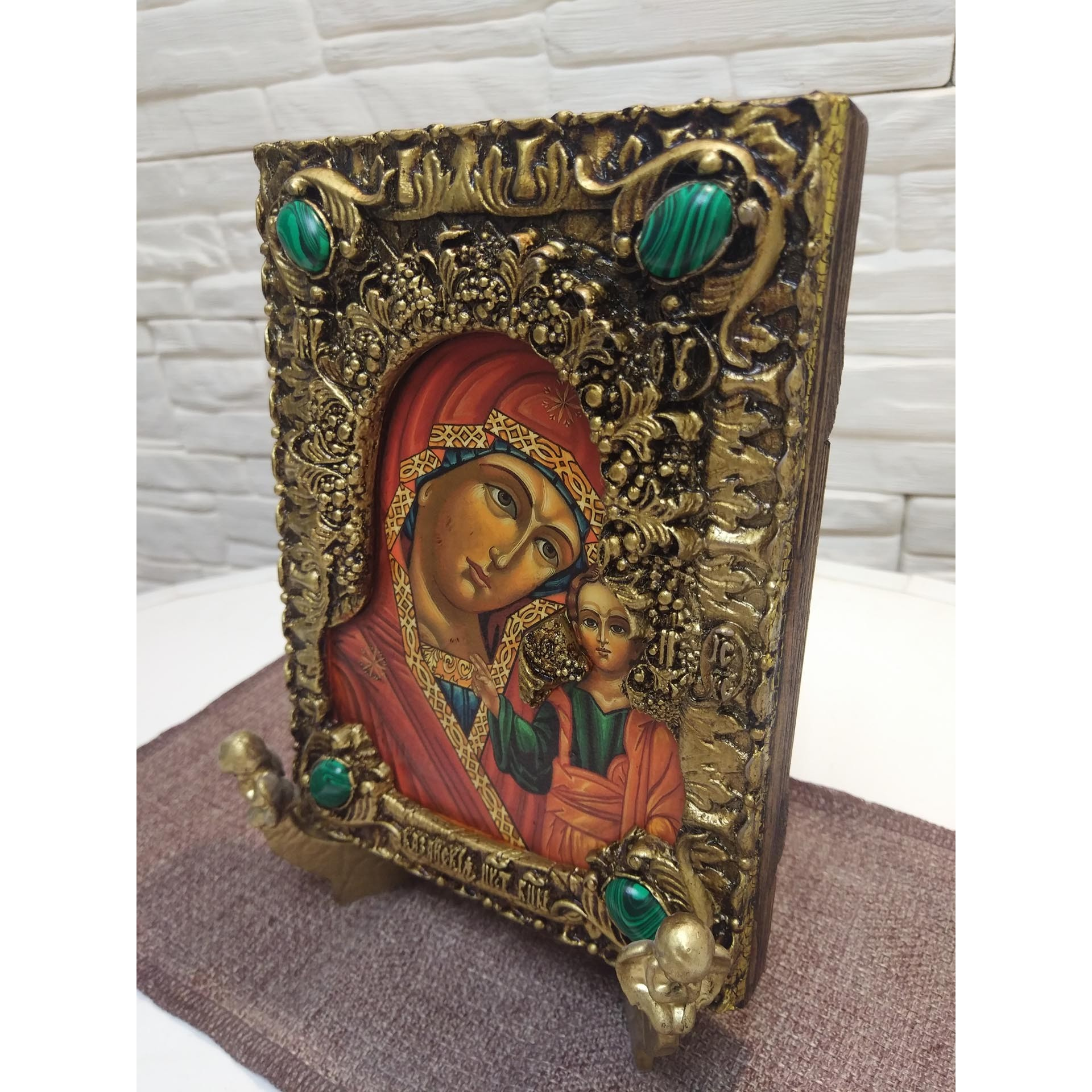 Состаренная икона пресвятой богородицы Казанская с иглицами и камнями