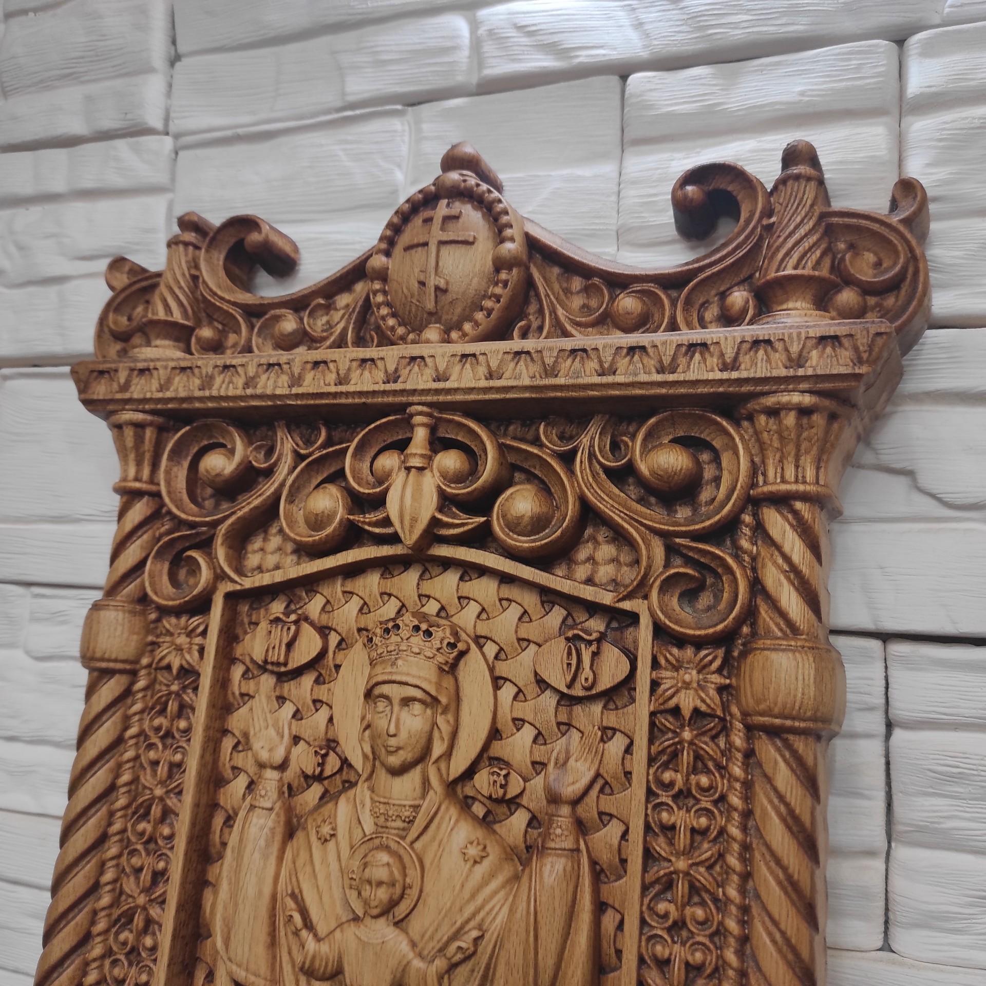 Фото резной иконы пресвятой богородицы Неупиваемая чаша вид сверху
