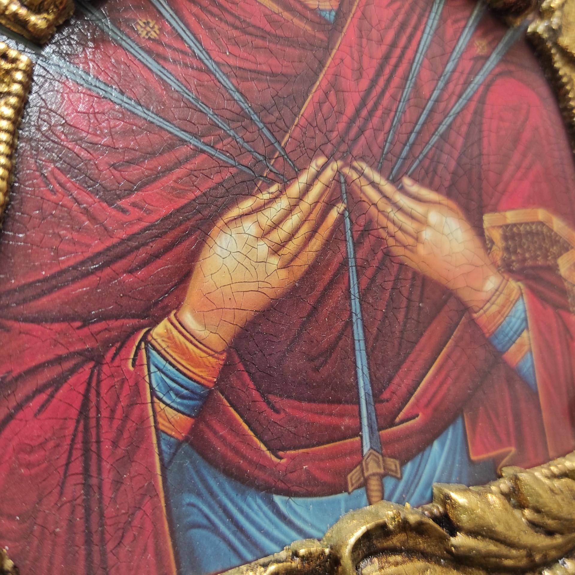 """Фотография центра иконы Пресвятой Богородицы """"Семистрельная"""" с красными камнями"""