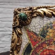 Фото верхнего левого камня иконы под старину Всевидящее око с иглицами и камнями