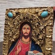 Фото верхних камней подарочной иконы Господа Вседержителя с иглицами, камнями бирюза