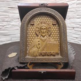 Резная икона Господа Вседержителя в округлой раме