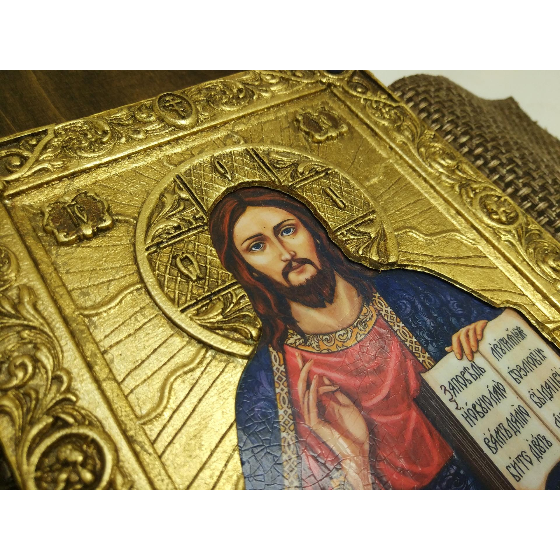Подарочная икона Иисуса Христа с камнями