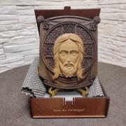 Резная икона Спас Нерукотворный, массив бука