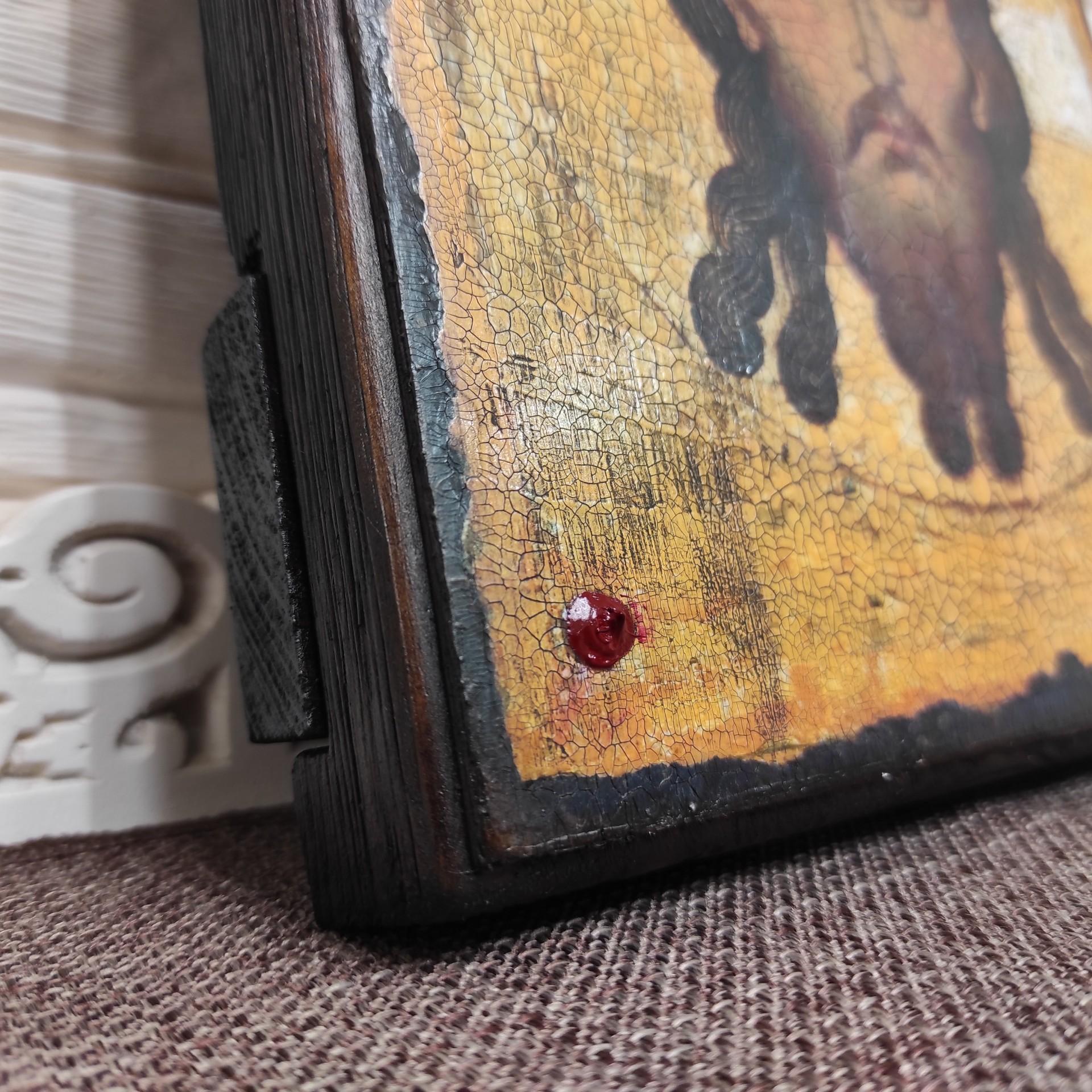 Фото левый нижний угол Спас Нерукотворный икона под старину, массив сосны