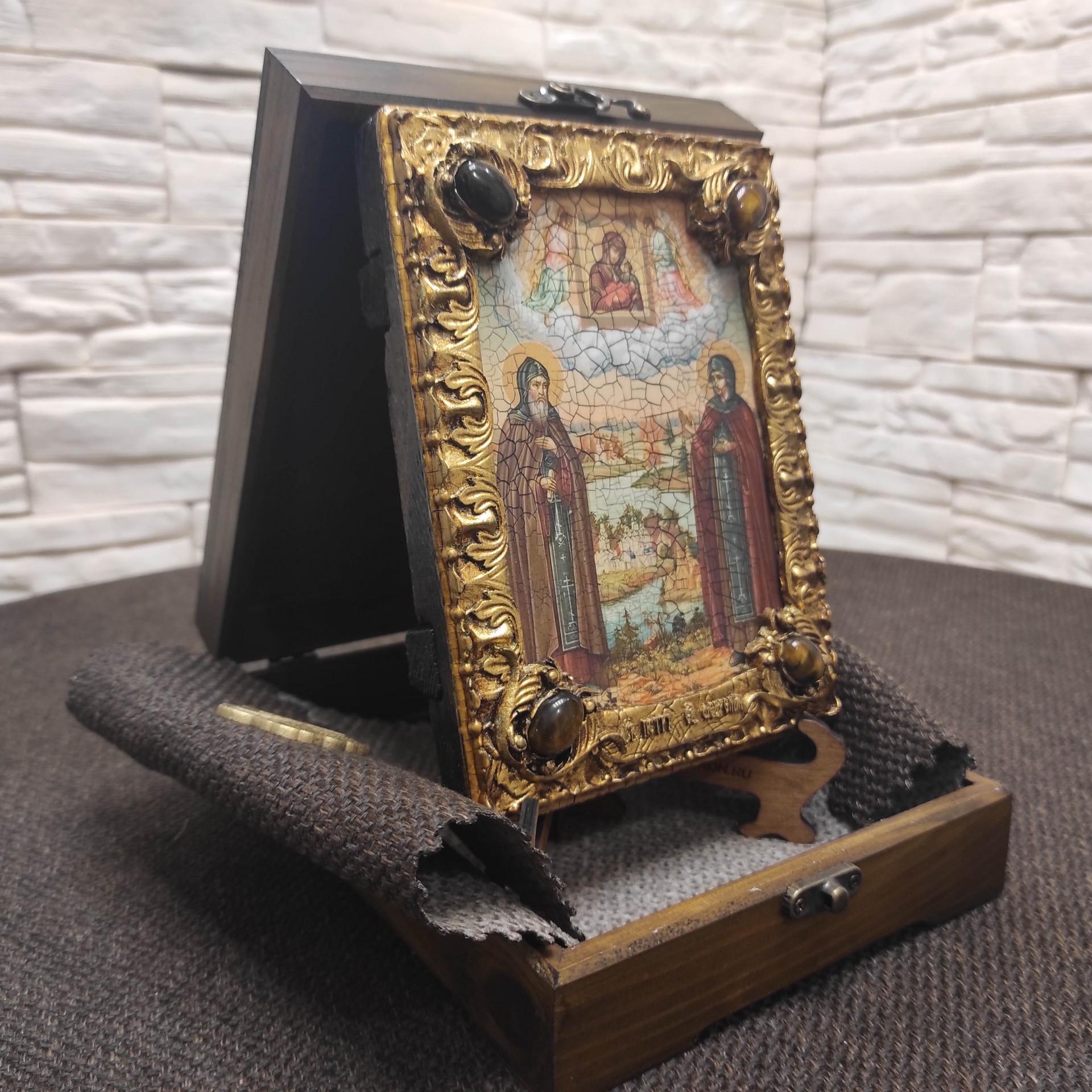 Фото иконы Петра и Февронии с иглицами и камнями средняя