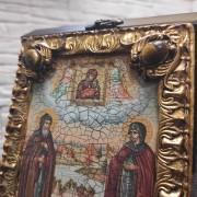 Фото иконы Петра и Февронии с иглицами и камнями средняя вид сверху камни