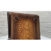 Резная икона святой мученицы Ирины Аквилейской с камнями