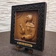 Фото резной иконы святой блаженной Ксении Петербургской