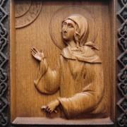 Фото лика резной иконы святой блаженной Ксении Петербургской