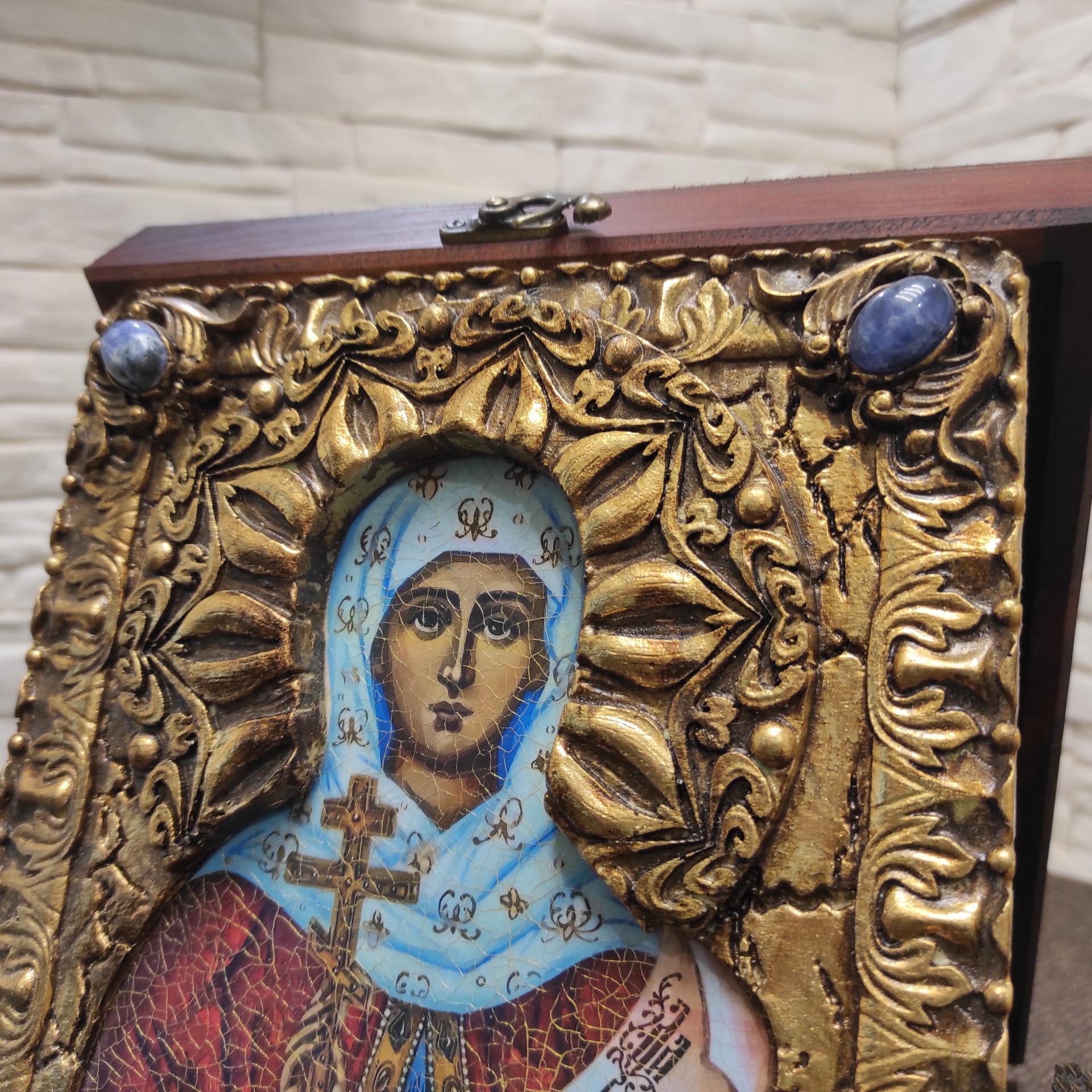 Фото верхних камней иконы святой мученицы Натальи Никомедийской с камнями