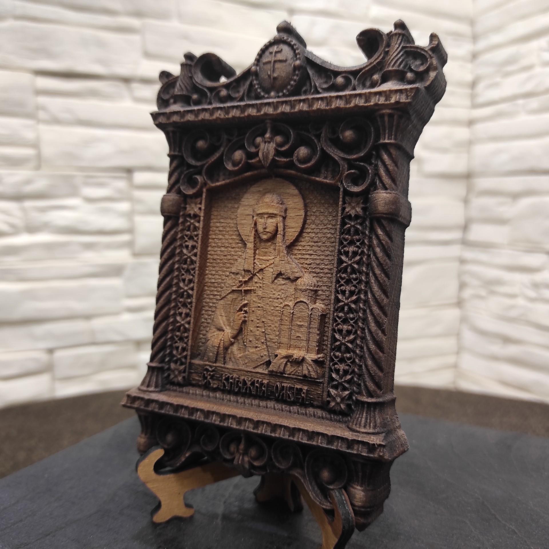 Фото маленькая резная икона Ольга равноапостольная, великая княгиня Российская другой ракурс