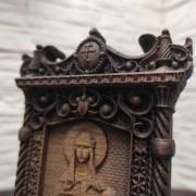 Фото маленькая резная икона Ольга равноапостольная, великая княгиня Российская с сверху резьба