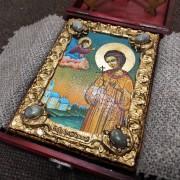 Фото небольшой иконы Артемия Веркольского, подарочная в футляре 2