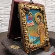 Фото небольшой иконы Артемия Веркольского, подарочная сбоку