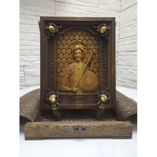 Резная икона святого великомученика Георгия с камнями