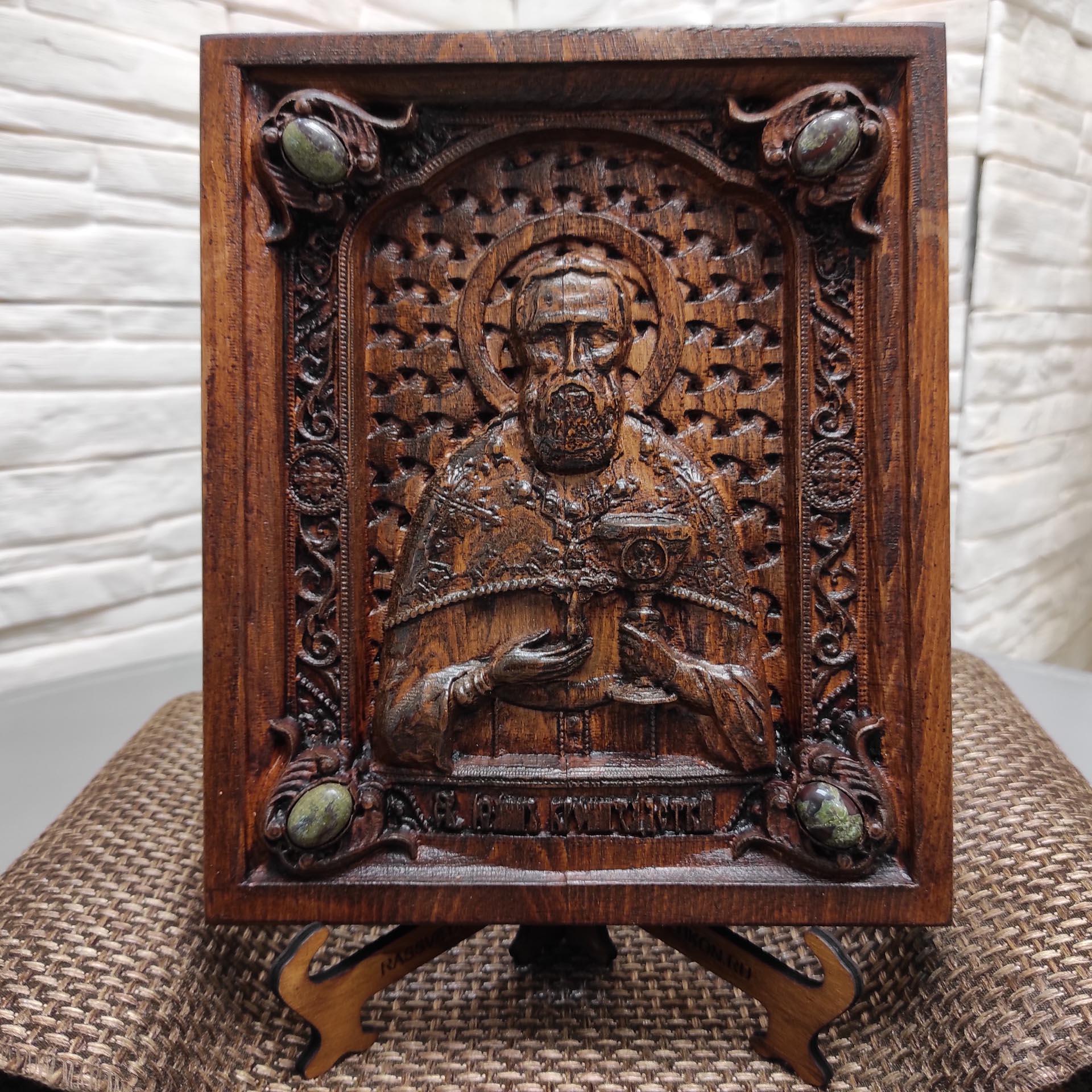 Резная икона святого Иоанна Кронштадтского