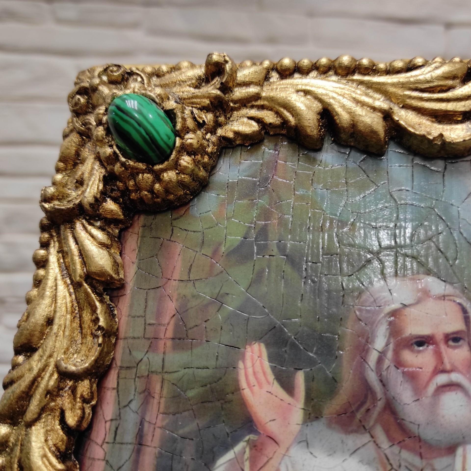 Фотография верхнего левого камня авторской иконы Серафима Саровского с камнями