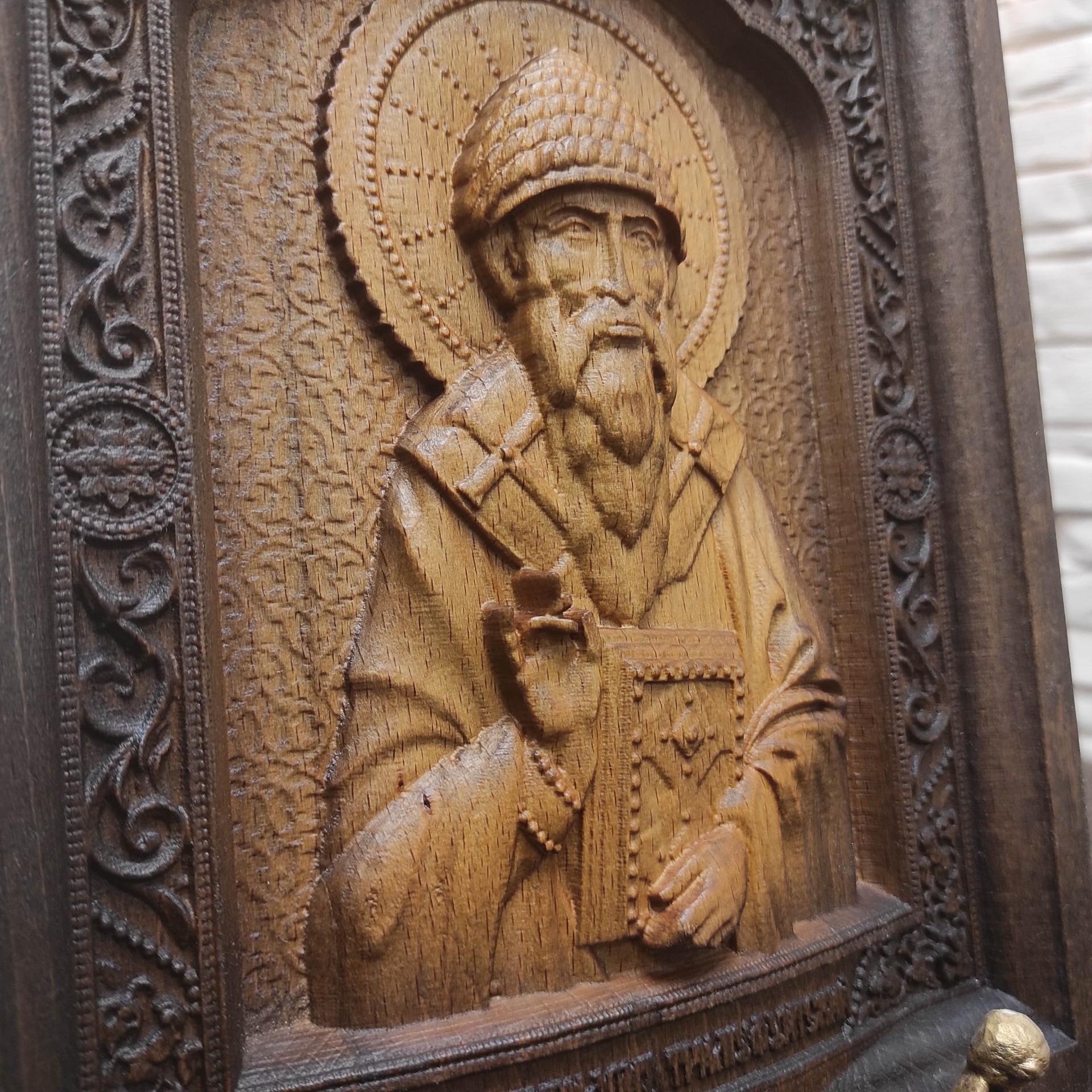 Резная икона святитель Спиридон Тримифунтский в окладе из массива