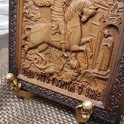 Фото низа резной иконы Чудо Святого Георгия о змии (Георгий Победоносец)