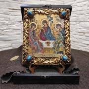 Изображение иконы под старину Троицы с иглицами и камнями