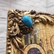 Фото камней у иконы Троицы с иглицами и камнями