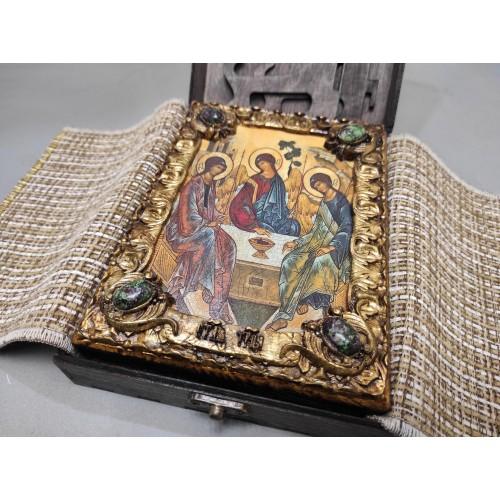 Подарочная икона Троица с иглицами, зеленые камни