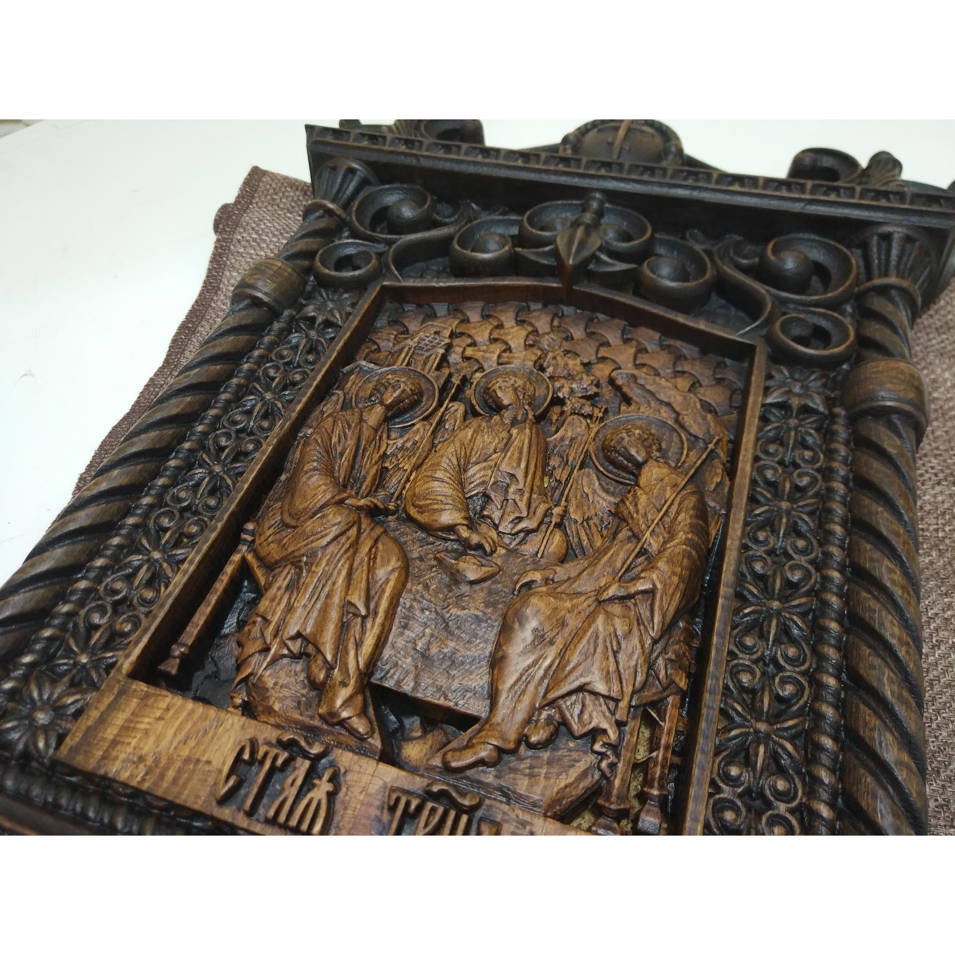 Резная уникальная икона святой Троицы